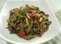 蒜苔炒黄牛肉(酸辣版)