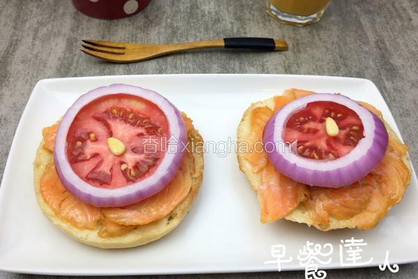 烟熏鲑鱼贝果三明治