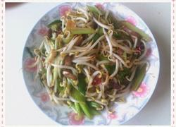 芹菜绿豆芽炒肉丝