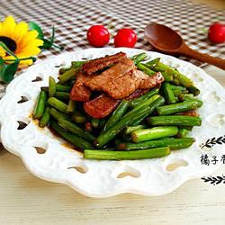 猪肉炒蒜苔的做法[图]