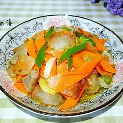 胡萝卜炒腊肉的做法[图]