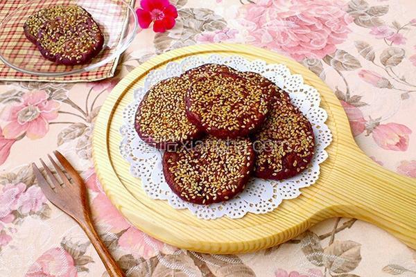 紫薯芝麻饼