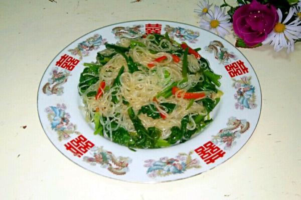 菠菜炒粉丝