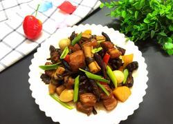 榛蘑杂焖五花肉