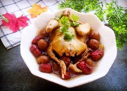 红枣桂圆炖乳鸽