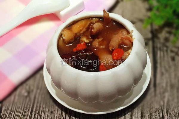 电饭煲当归红枣鸡爪汤