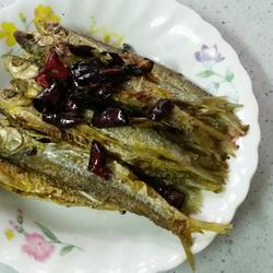 菜油煎洞庭湖油叼子鱼