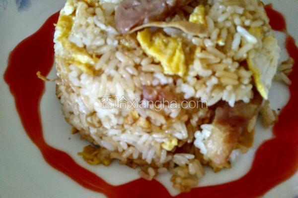超级简单的腊肠鸡蛋炒饭