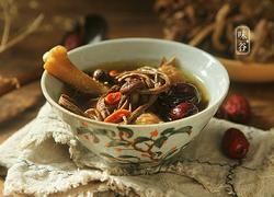 茶树菇无花果煲鸡汤