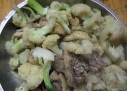 椰菜花炒肉