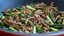 蒜苔炒肉的做法图解29