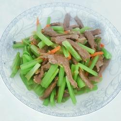 牛肉炒芹菜的做法[图]