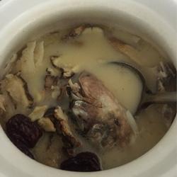 大头鱼药膳汤
