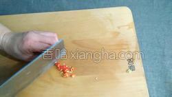 蚕豆米炒鸡蛋的做法图解3