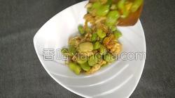 蚕豆米炒鸡蛋的做法图解14