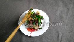 腊肉蚕豆米炒韭菜的做法图解14