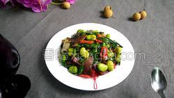 腊肉蚕豆米炒韭菜的做法图解15