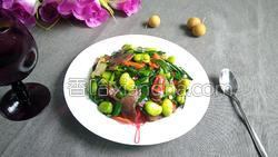 腊肉蚕豆米炒韭菜的做法图解16