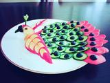 孔雀开屏水果蔬菜拼盘的做法[图]