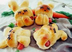小兔吃萝卜面包