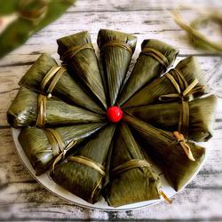 咸肉糯米牛角粽