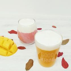 芒果绿茶奶盖和草莓牛奶奶盖