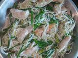 蒜香韭菜花炒豆芽的做法[图]