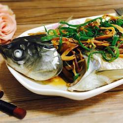 黄花菜蒸草鱼