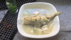 黄鱼炖豆腐的做法图解10