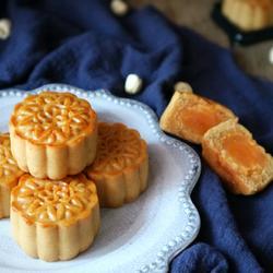 广式月饼(莲蓉蛋黄陷)