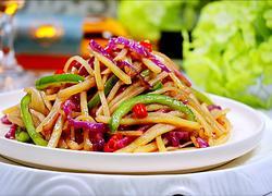 炝炒青椒土豆丝