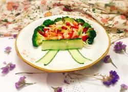蝴蝶结果蔬沙拉