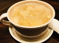 川贝冰糖炖银耳雪梨汤