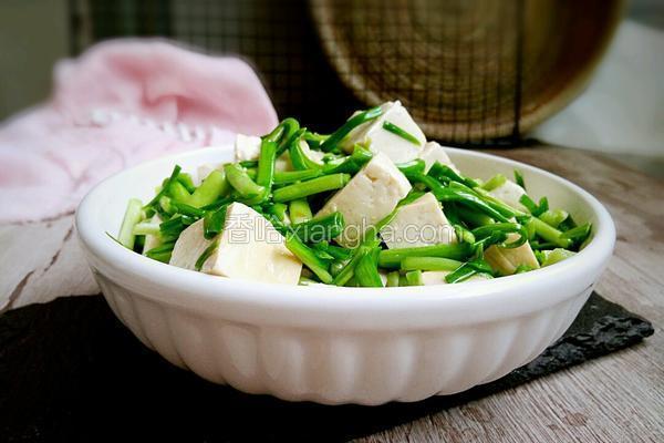 青蒜苗炒豆腐