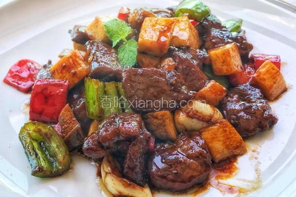烧汁蘑菇炒牛肉粒