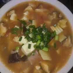 番茄冬笋香菇豆腐汤