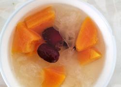 木瓜银耳红枣羹