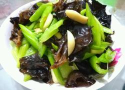 芹菜炒木耳