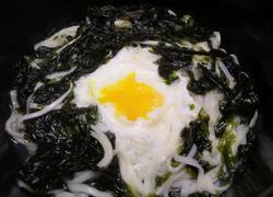 乌云映月(紫菜鸡蛋汤面)