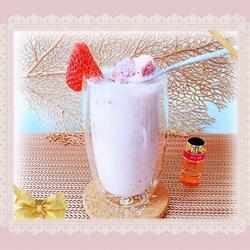草莓黄桃酸奶奶昔(粉红佳人)