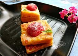 草莓法式吐司