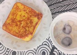 香蕉酸奶鸡蛋吐司