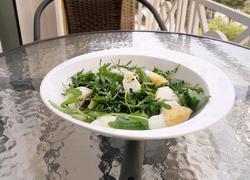 芝麻菜凤梨鸡蛋沙拉