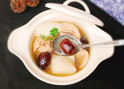 红枣山药煲鸡汤