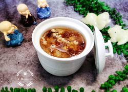桃胶银耳薏米汤