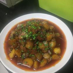 土豆红烧肉的做法[图]