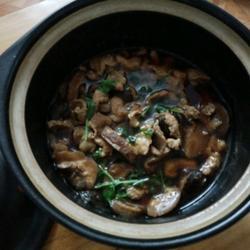 香菇炖猪肉的做法[图]
