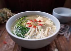 白玉菇豆腐汤