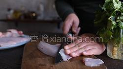 酸菜鲈鱼的做法图解6