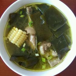 海带枸杞排骨汤的做法[图]